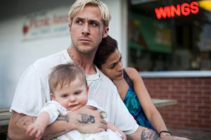Ryan Gosling with Eva Mendez as Romina, mother of his child